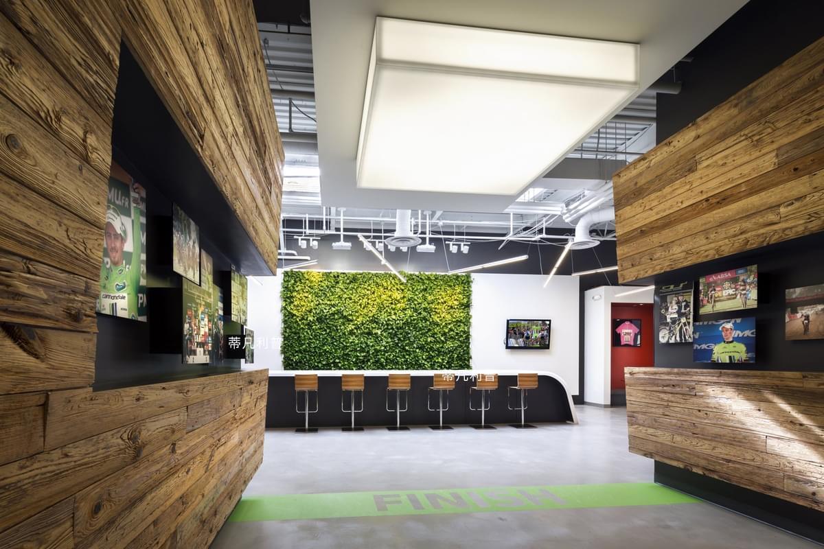 上海办公家具品牌-制造工厂大改造,成为一个工业风的办公空间